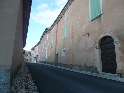 Rue pricipale de Flassan by gab113