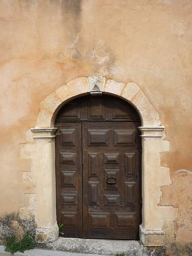 Porte en bois à Flassan by gab113