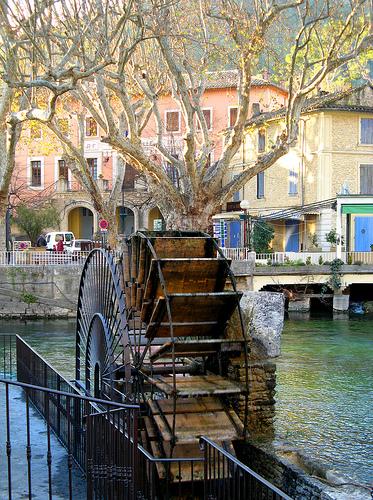 Roue à aubes - Fontaine de Vaucluse par myvalleylil1
