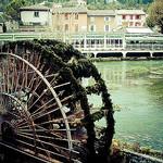 Fontaine de Vaucluse et la Sorgue par claude.attard.bezzina - Fontaine de Vaucluse 84800 Vaucluse Provence France