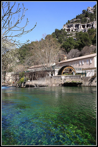 Moulin à papier de Fontaine de Vaucluse - Vallis Clausa par redwolf8448