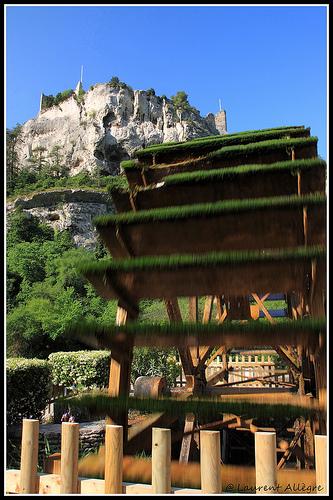 Ruines du Chateau de Pétrarque par redwolf8448