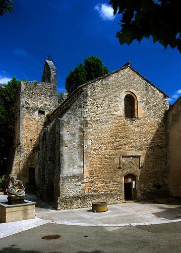 Eglise Notre-Dame-de-Fontaine-de-Vaucluse par fiatluxca