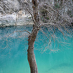 Bleu de glace - la grotte est pleine par sabinelacombe - Fontaine de Vaucluse 84800 Vaucluse Provence France