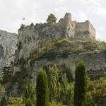 Le château de Fontaine de Vaucluse par pietroizzo - Fontaine de Vaucluse 84800 Vaucluse Provence France