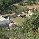 Vue sur l'abbaye de Sénanque by mistinguette18 - Gordes 84220 Vaucluse Provence France