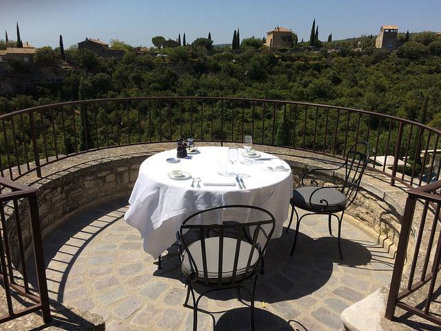 Terrasse avec vue à la Bastide de Gordes (Vaucluse - Gordes) par gab113