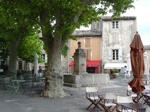 Place du village de Gordes : Provence by curry15