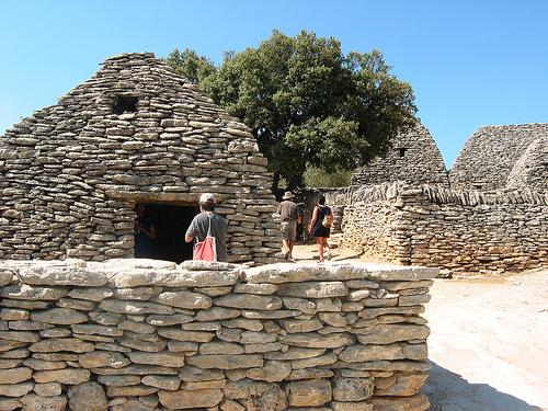 Cabanes gauloises - Village des Bories par paula moya