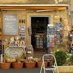 Gift Shop, Provence, France par Boris Kahl - Gordes 84220 Vaucluse Provence France