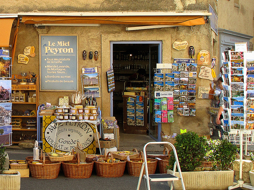 Gift Shop, Provence, France par Boris Kahl