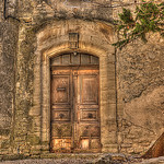 Old Doorway in Provence par C.R. Courson - Gordes 84220 Vaucluse Provence France