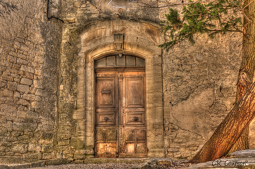 Old Doorway in Provence par C.R. Courson