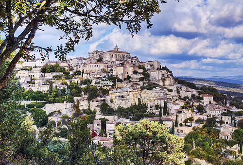 The Luberon hill town of Gordes by philhaber