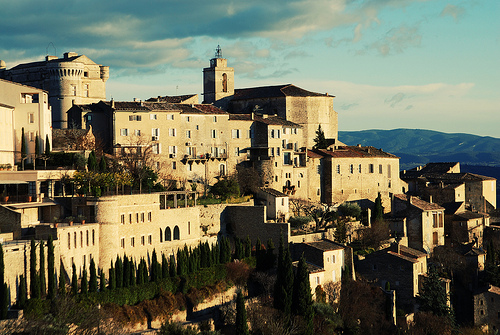 Gordes au réveil by Má Damascena