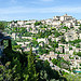 Picturesque Gordes en vert et pierre par PlotzPhoto - Gordes 84220 Vaucluse Provence France
