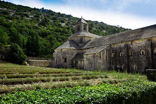Abbaye Notre-Dame de Sénanque by Viggo001