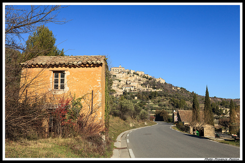 Route pour Gordes par Photo-Provence-Passion