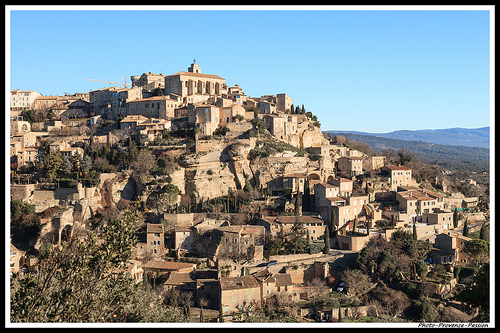 La montagne de maisons by Photo-Provence-Passion