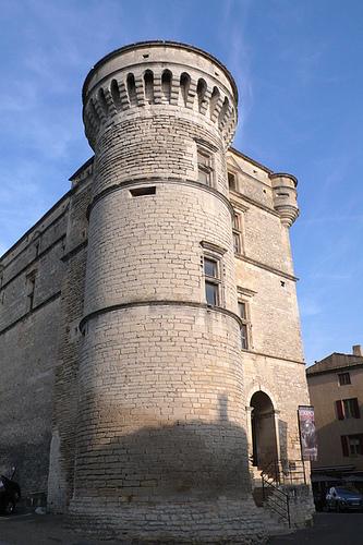 Château de Gordes : Tour nord-ouest by lepustimidus