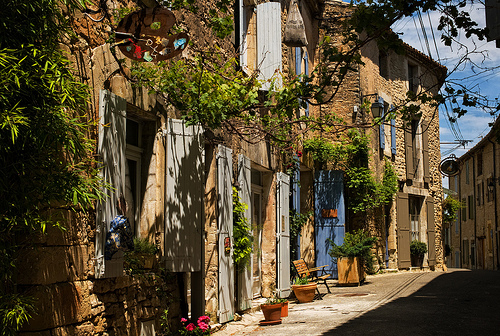A street in Goult, Provence by ebenette