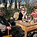 Un groupe de joyeux brocanteurs au marché du dimanche par johnslides//199 - L'Isle sur la Sorgue 84800 Vaucluse Provence France