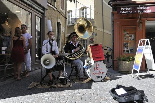 la mini fanfare de l'Isle-sur-la-Sorgue par Massimo Battesini