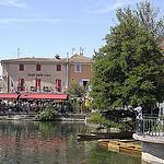 Les berges de L'Isle-sur-la-Sorgue by Massimo Battesini - L'Isle sur la Sorgue 84800 Vaucluse Provence France
