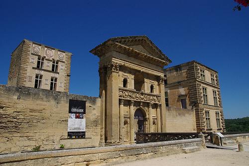 Chateau de la Tour-d'aigues by Spiterman