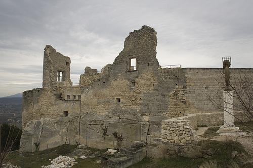 Lacoste : Château du Marquis de Sade à Lacoste par cpqs