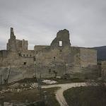 Ruine du Château du Marquis de Sade à Lacoste par cpqs - Lacoste 84480 Vaucluse Provence France