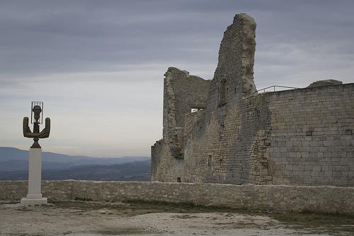Ruines du Château du Marquis de Sade par cpqs