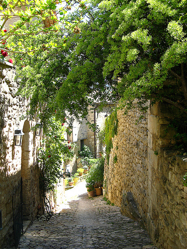 Les ruelles de Lacoste by myvalleylil1