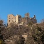 Chateau de Lacoste qui domine par Gabi Monnier - Lacoste 84480 Vaucluse Provence France