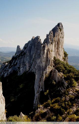 Dentelles Sarrasines : sculture de roche by sabinelacombe