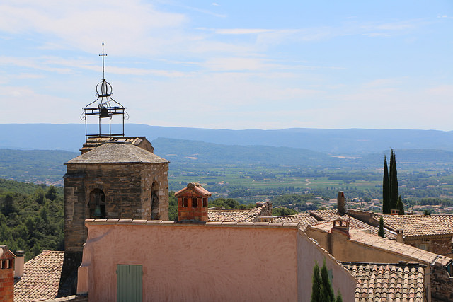 Vue sur la plaine de Carpentras depuis le village du Barroux (Vaucluse - Le Barroux) par gab113