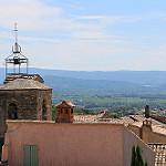 Vue sur la plaine de Carpentras depuis le village du Barroux par gab113 - Le Barroux 84330 Vaucluse Provence France