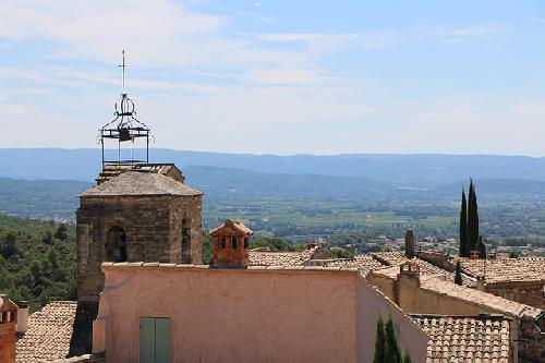 Vue sur la plaine de Carpentras depuis le village du Barroux by gab113