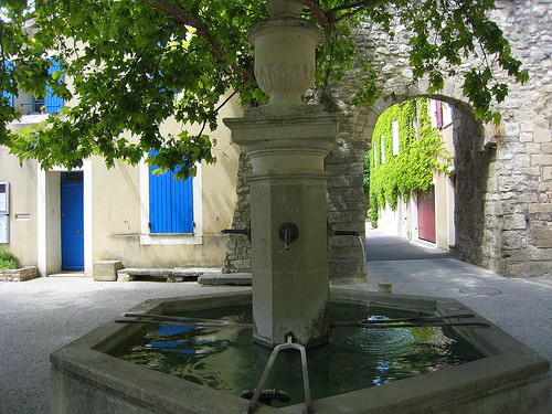 Fontaine - Le Beaucet by Olivier Colas
