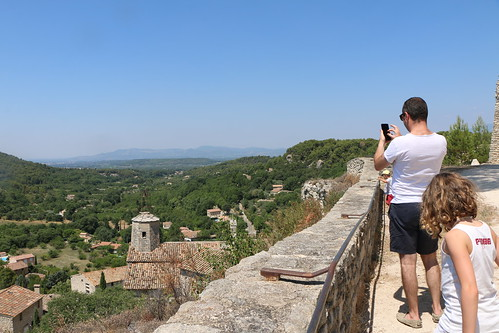 Une vue magnifique depuis le Château du Beaucet par Gabriel Jaquemet