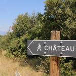 Chemin à pied vers le Château du Beaucet par Gabriel Jaquemet - Le Beaucet 84210 Vaucluse Provence France
