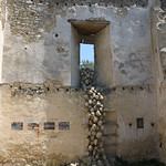 Oeuvre d'art dans le Château du Beaucet par Gabriel Jaquemet - Le Beaucet 84210 Vaucluse Provence France