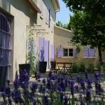 Couleur Lavande : Terrasse ombragée par CouleurLavande - Le Thor 84250 Vaucluse Provence France