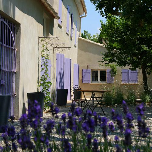 Couleur Lavande : Terrasse ombragée par CouleurLavande