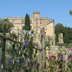 Luberon : le château de Lourmarin by mistinguette18 - Lourmarin 84160 Vaucluse Provence France