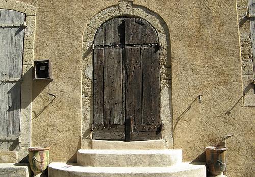 Porte à Lourmarin par mistinguette18