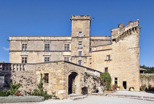 Le Château de Lourmarin / Lourmarin castle by philhaber