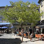 Provence - Terrasses de café à Lourmarin par Massimo Battesini - Lourmarin 84160 Vaucluse Provence France