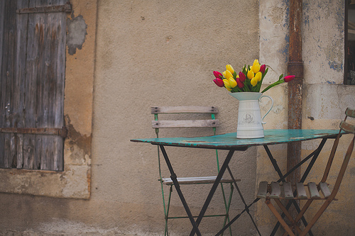 Table à tulipes par Dri.Castro