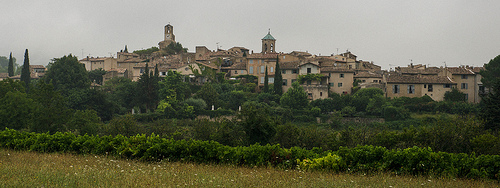 Village de Lourmarin, France par Ann McLeod Images